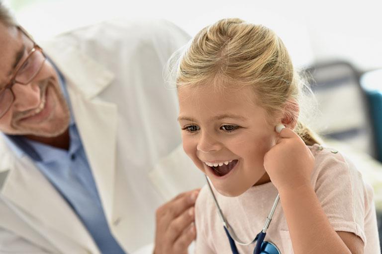 I pediatri: si allo yoga per bambini